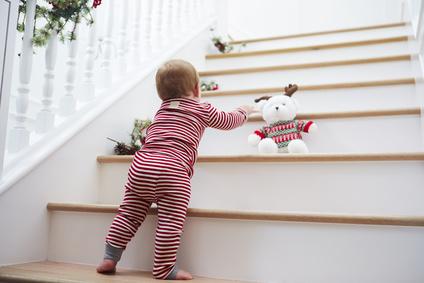 Treppen und Stufen als Gefahrenquelle für Babys