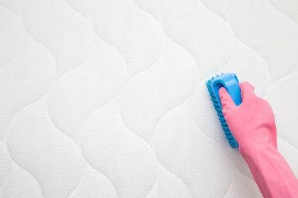 Baby Matratze reinigen und pflegen